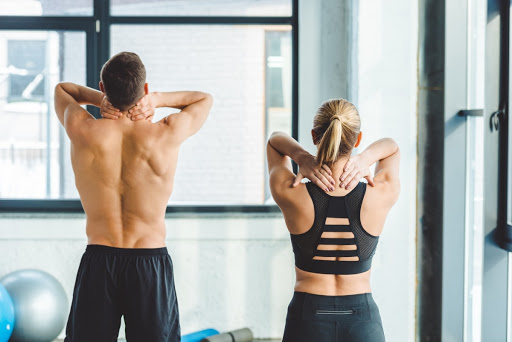 Здоровье и спорт. Как тренироваться людям с проблемами спины? | LuxTopFit